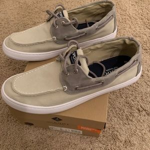 Mens Sperrys size 12. EC. Wore them once